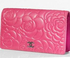 Chanel fuchsia camellia design quilted bag.