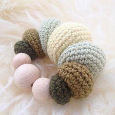 Rasle rasle. Pattern 👉🏻@vibemai #rangle #hækletrangle #hækletilbaby #babyrangle #crochetrattle #økobomuld #vibemai