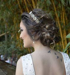 Apaixonada nessa produção #cabelodegrife #omundodasnoivas by bibiane_vasconcelos http://ift.tt/1X61E2I