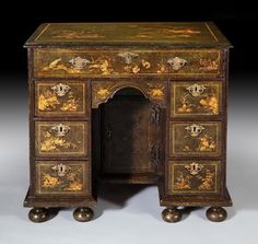 A Stunning and extremely rare green japanned and chinoiserie decorated, Queen Anne kneehole desk of small proportions. Circa 1710