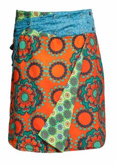 100% Cotton reversible wrap skirt with press stud waistband and removable pocket. This skirt is one size fits most and is fully reversible.
