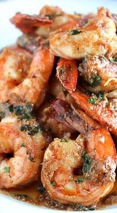 Cajun Buttery Herb Shrimp Garlic Butter Shrimp - quick and easy weeknight shrimp dish loaded flavors from with parsley, thyme, oregano, paprika and garlic. Nothing like fresh, juicy and tasty shrimps. Ready in just 15 minutes! Creole Recipes, Cajun Recipes, Fish Recipes, Seafood Recipes, Cooking Recipes, Healthy Recipes, Grilled Shrimp Recipes, Garlic Recipes, Snacks