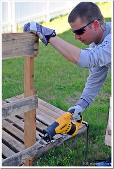 Great step by step on how to break apart a Pallet. Be sure you check out the great video too!