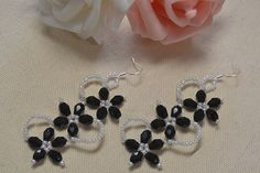 This simple Pandahall tutorial will show you how to make a pair of black beaded flower drop earrings at home. Flower Earrings, Beaded Earrings, Stud Earrings, Diy Jewelry, Beaded Jewelry, Handmade Jewelry, Diy Crystals, Earring Tutorial, Crystal Flower