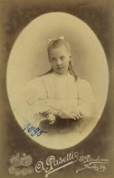 VK is the largest European social network with more than 100 million active users. Prince Igor, Princesa Elizabeth, England Countryside, House Of Romanov, Princess Alexandra, Young Prince, Tsar Nicholas, Historical Women, Grand Duke