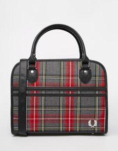 Fred Perry Bolso estilo boleras con diseño a cuadros escoceses de la marca Gris #covetme #Fred Perry