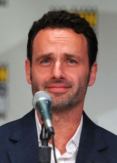Andrew Lincoln aka Rick from The Walking Dead. Yumm.