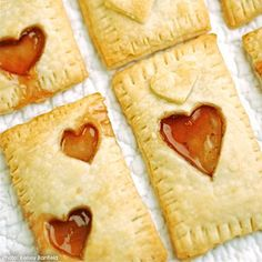This Valentine's Day try something new and different with this recipe for delicious, homemade pop tarts! The Valentine's Day Pop Tarts recipe allows you to create a treat made with pie crust and yummy strawberry jam. Homemade Valentines, Valentines Day Treats, Valentine Ideas, Kids Valentines, Holiday Treats, Valentine Recipes, Valentine Cards, Pop Tarts, Yummy Snacks