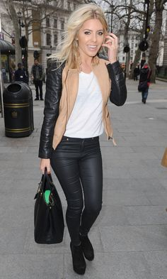 Mollie King Shows Off Her Envious Legs In Skinny Jeans In London, 2013 King Fashion, All Fashion, Fashion Black, Cool Outfits, Casual Outfits, Mollie King, Glamour, Celebrity Look, Her Style