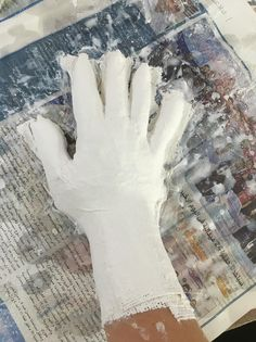 How to Make a Plaster Cast of a Hand How To Make Plaster, Diy Plaster, Plaster Crafts, 3d Art Projects, Sculpture Projects, Plaster Sculpture, Hand Sculpture, Plaster Hands, Paris Crafts