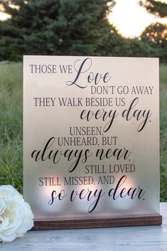 Candle Lit Quote Memorial Wedding Sign - How to Remember Loved Ones that Passed Away at Your Wedding - Rememberance Sign for Wedding - Honor Loved ones - Wedding Family Tree Ideas - Wedding Decor - Wedding Signs - Wedding Memorial Ideas Tree Wedding, Wedding Wishes, Our Wedding, Wedding Bells, Memory Candle Wedding, Fall Wedding, Wedding Stuff, Wedding Remembrance, Wedding Memorial
