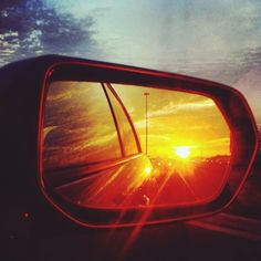Rear view mirror of a car reflecting sunset Mirror Photography, Sunset Photography, Car Rear View Mirror, Car Mirror, V8 Supercars, Car Pictures, Costume Design, Sunsets, Super Cars