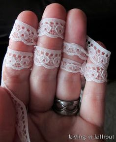Fantastic Fingerknitting Projects | Living in Lilliput - finger knit lace