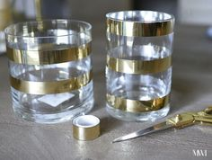 DIY+Kate+Spade+Inspired+Gold+Striped+Vases+For Kate Spade party ideas Kate Spade Party, Kate Spade Bridal, Gold Diy, Gold Party, Deco Table, Diy Desk, Do It Yourself Home, Decoration Table, Diy Home Decor