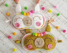 Crochet patterns par Chicaoutlet sur Etsy Crochet Bag Tutorials, Crochet Patterns, Spanish Pattern, Patron Crochet, Rainbow Crochet, Rainbow Wall, Christmas Deer, Cute Pattern, Decoration