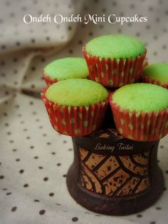 If you like eating ondeh ondeh or kueh dadar, you will love this pandan cupcakes with gula melaka coconut fillings too! These delightful...