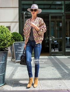 models street style - hat, bomber jacket and jeans