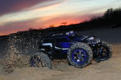 Summit: 1/10 Scale 4WD Electric Extreme Terrain Monster Truck with TQi Traxxas Link Enabled 2.4GHz Radio System   Traxxas