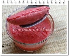 COZINHA DA MONICA: Gelatina light de morango e iogurte.