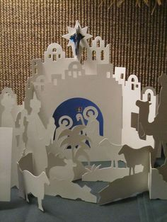 Presepe di carta, idee per realizzarlo - Presepe di carta bianca All Things Christmas, Christmas Holidays, Christmas Crafts, Christmas Decorations, Christmas Paper, Christmas Nativity Scene, Christmas Gingerbread, Nativity Crafts, Nativity Sets
