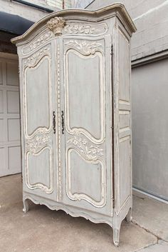 Painted Furniture ~ CREAM / Louis XV Armoire From a unique collection Painting Wooden Furniture, French Furniture, Shabby Chic Furniture, Rustic Furniture, Antique Furniture, Cool Furniture, Modern Furniture, Furniture Storage, Luxury Furniture