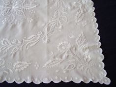 VINTAGE HAND EMBROIDERED WHITE LINEN TABLE CLOTH MOUNTMELLICK STYLE EMBROIDERY | eBay