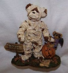 (2001)Boyds Bears, Halloween Boris Bearloff with Dracula