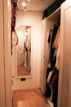 1000 images about einbauschrank on pinterest attic closet pax wardrobe and ikea. Black Bedroom Furniture Sets. Home Design Ideas