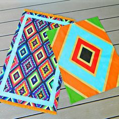 Painted Fabric and Canvas Rugs. Make these no sew painted fabric and canvas rugs in any style and size to match your decor. Fabric Rug, Fabric Painting, Diy Painting, Painted Floor Cloths, Painted Rug, Painted Canvas, Painted Floors, Book Crafts, Diy Crafts