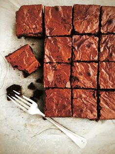 These chocolatey spelt and browned butter brownies should shoot to the top of your January baking list No Bake Brownies, Spelt Flour, Flour Recipes, Baking Recipes, Brown Butter, Brownie Recipes, Baking Pans, Food To Make, Grains