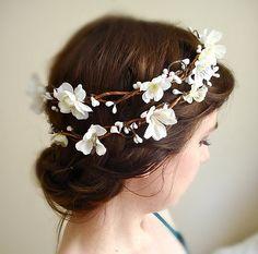 white flower crown cherry blossoms - SAKURA - a wedding head wreath, flower girl White Flower Crown, White Wedding Flowers, White Flowers, White Bridal, Wedding White, Green Wedding, Beautiful Flowers, Flower Head Wreaths, Hair Wreaths