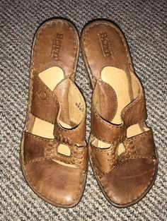 a0ab7dfb8af5 Womens BORN Sandals Size 8 M Brown Leather Heels Slip On GUC  fashion   clothing