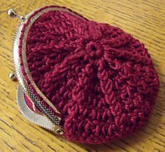 Free Pattern: Coin Purse by HappyBerry