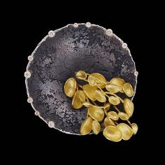 291 отметок «Нравится», 6 комментариев — Art Jewelry Forum (@artjewelryforum) в Instagram: «De Novo @denovofinecontemporaryjewelry —So Young Park's work is characterized by organic forms in…» #ContemporaryJewelry
