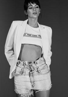 Selfies, Bruna Marquezini, Brazilian Models, Gianni Versace, Queen, Girl Model, Style Icons, My Girl, Ideias Fashion