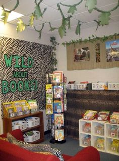 Jungle Room Theme Library - cute ideas here. Could call it the Book Zoo.