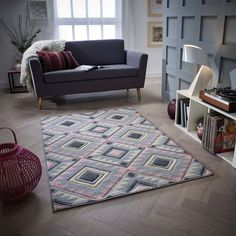 Perfect for modern day living the Kers Pink/Grey Rug. Woven with a hard wearing frisee pile this rug offers exceptional style and value. Scandi Living Room, Living Room Interior, Living Rooms, Pink And Grey Rug, Grey Room, Green Carpet, Machine Made Rugs, Bedroom Carpet, Modern Rugs