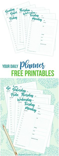 Free daily planner printable to keep you organized this year! These daily planner printable inserts are perfect to keep you on track! They will let you keep track of all your daily tasks and appointments, and keep any notes or extra lists you may want.