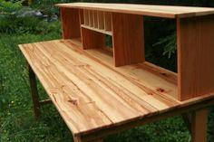 Pallet Desk... For my crafts?!