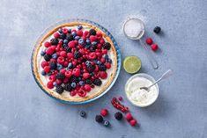 Thuis genieten van een zelfgemaakte cake, taarten of bananenbrood? Die bak je in de bakvormen van Pyrex. De bakvormen zijn gemaakt van borosilicaatglas, zo kan je het bakproces in de gaten houden. Het krasbestendige glas kan tempraturen tot 300°C hebben. Flan, Pyrex, The Dish, Treat Yourself, Treats, Dishes, Cooking, Healthy, Kitchens