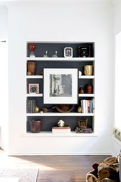 Idea to Steal: {Artfully Styled Bookshelves}