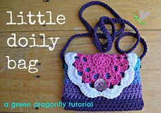 A pretty bag for a girl, simple to make and incorporating a doily as a flap. Tutorial includes detailed instructions for making the doily and joining it to the body of the bag. Also shows how to make a fabric lining.
