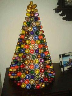 árvore de natal com materiais desperdicio - Pesquisa Google