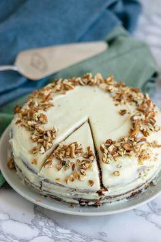 So backst du den perfekten Carrot Cake mit Frischkäse wie von Starbucks Cupcakes, Super, Camembert Cheese, Starbucks, Snacks, Easy, Desserts, Muffins, Food