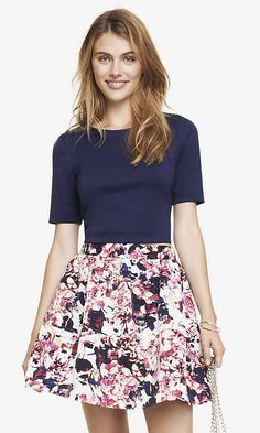 CROPPED ZIP BACK TEE | FLORAL SKIRT | Express