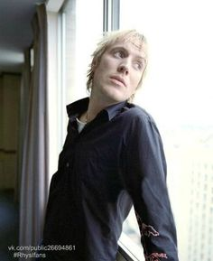 Рис Иванс | Rhys Ifans | VK Mycroft Holmes, Made In Uk, Gorgeous Men, Mens Fitness, Crushes, Hair Cuts, Actresses, Actors, My Favorite Things