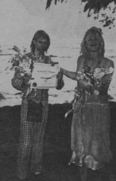vintage everyday: Rare Photos of Courtney Love and Kurt Cobain on Their Wedding Day in Hawaii, 1992