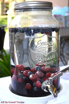 Berry infused water recipe. Fun beverage for 4th of July!