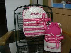 Conjunto en fucsia mochila con nombre bordado bebe