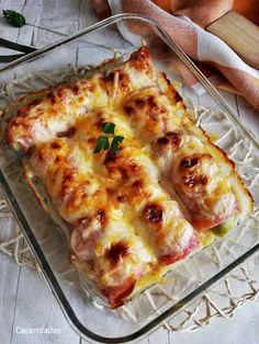 Puerros gratinados con jamón y bacon | Caceroladas Lasagna, Real Food Recipes, Crockpot, Pizza, Bechamel, Cheese, Ethnic Recipes, Kitchen, Pastel